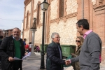 El diputado nacional y alcalde, Antonio Román, y el  senador Juan Antonio de las Heras durante la campaña informativa llevada a  cabo hoy en Guadalajara